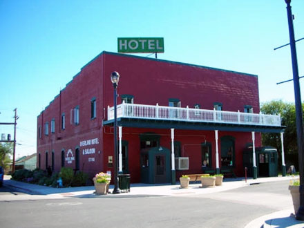 Overland Hotel and Saloon
